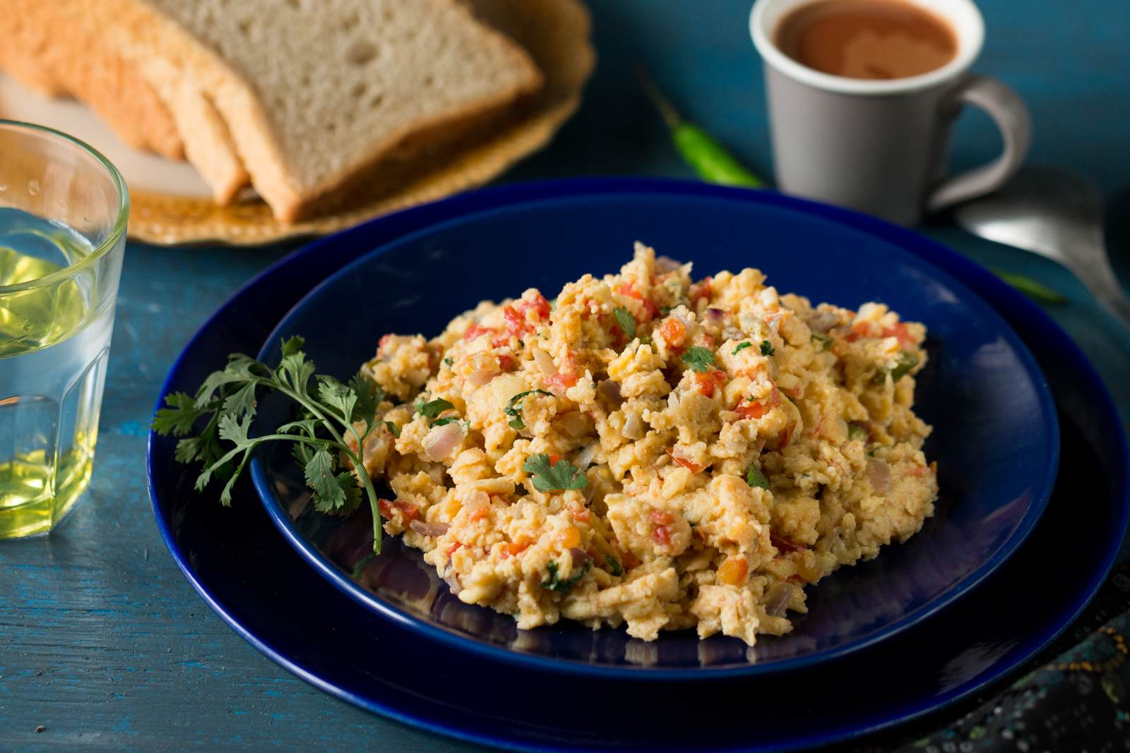 अकुरी रेसिपी - Parsi Style Seasoned Scrambled Eggs (Recipe In Hindi)