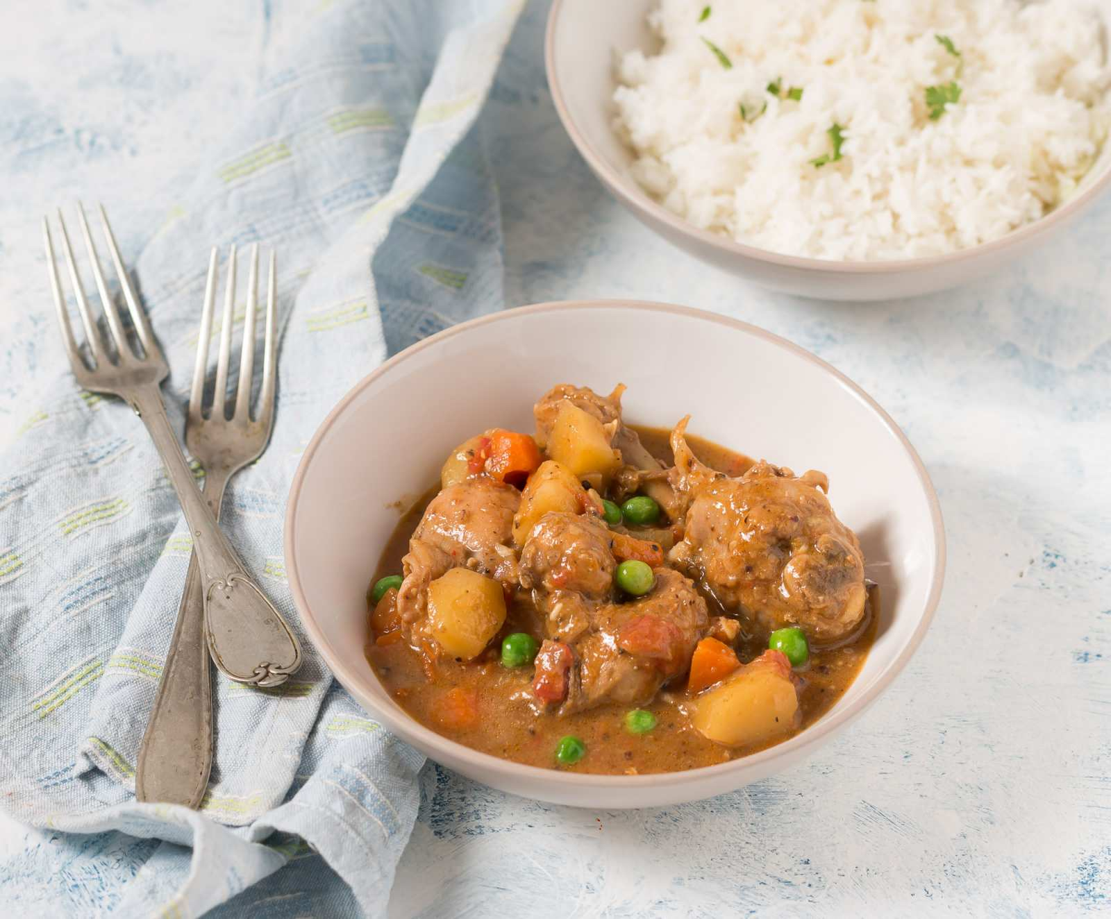 Spicy & Tangy Goan Chicken Stew Recipe With Vegetables