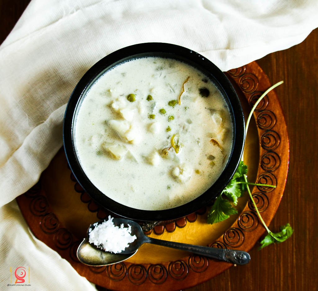 Thengai Paal Kurma Recipe - Mixed Vegetables In Coconut Gravy