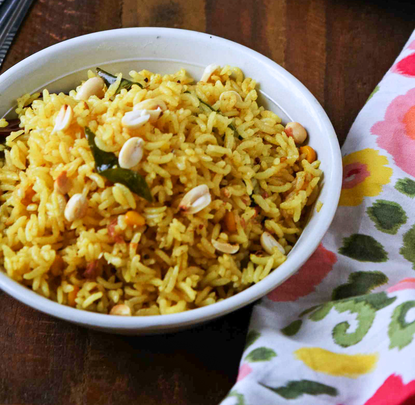 Andhra Style Pulihora Recipe (Spicy & Tangy Tamarind Rice)