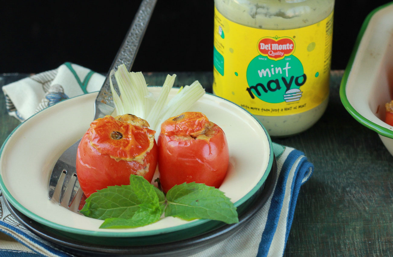 Tomatoes Stuffed With Mint Mayo And Paneer Recipe