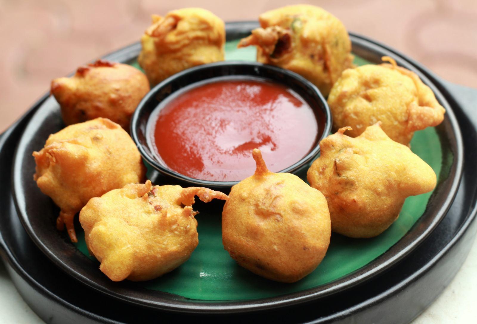 Aloo Bonda Recipe (Deep Fried Snack With Potato Filling) by ...