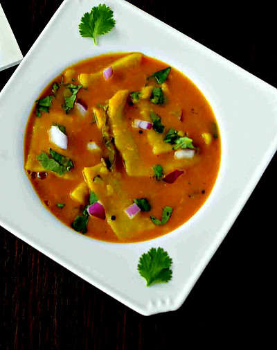 Chakolaya Recipe (Maharastrian Varan Phal)