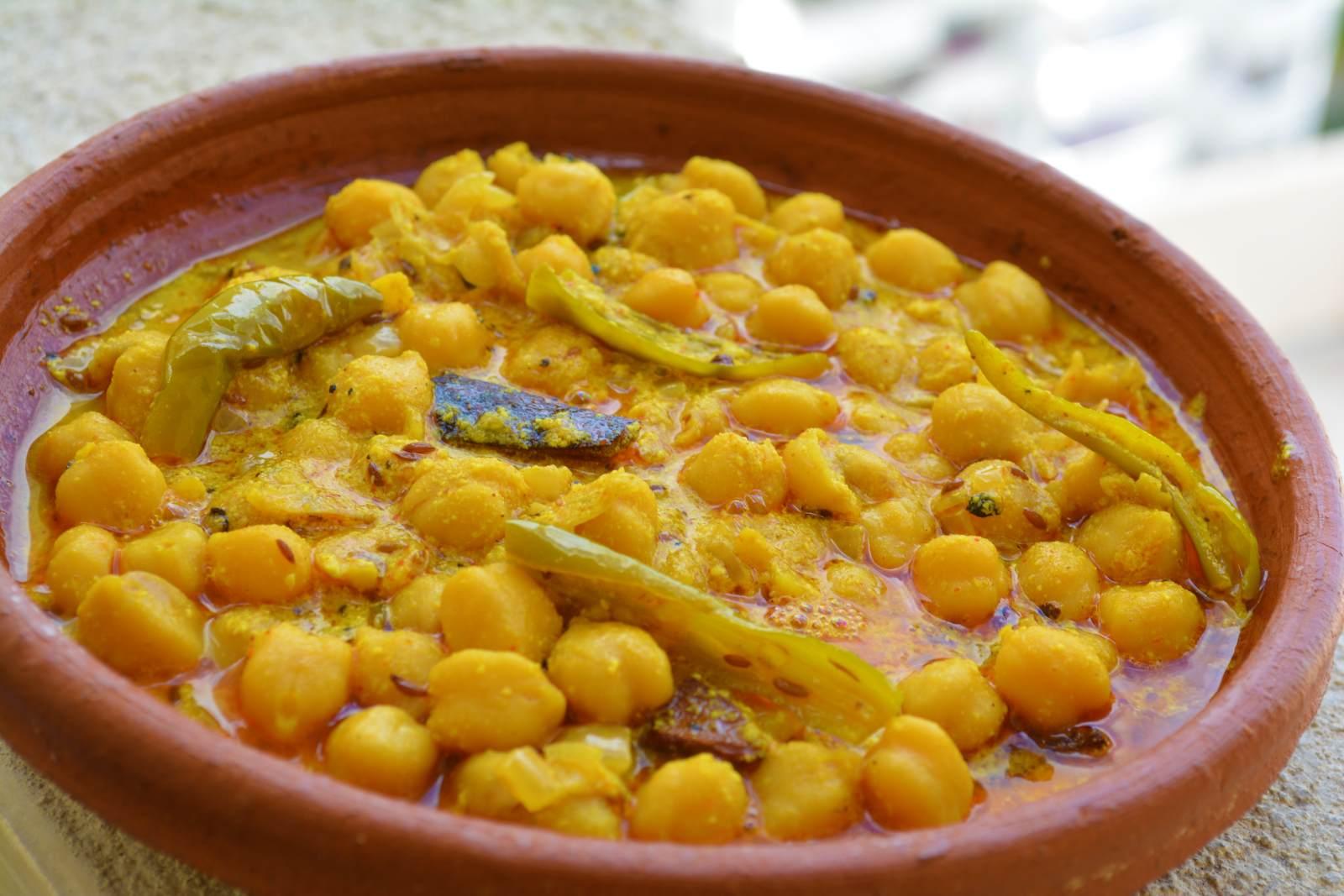 Himachali Chana Madra Recipe (Chickpeas In Yogurt Based Gravy) by Archana's  Kitchen