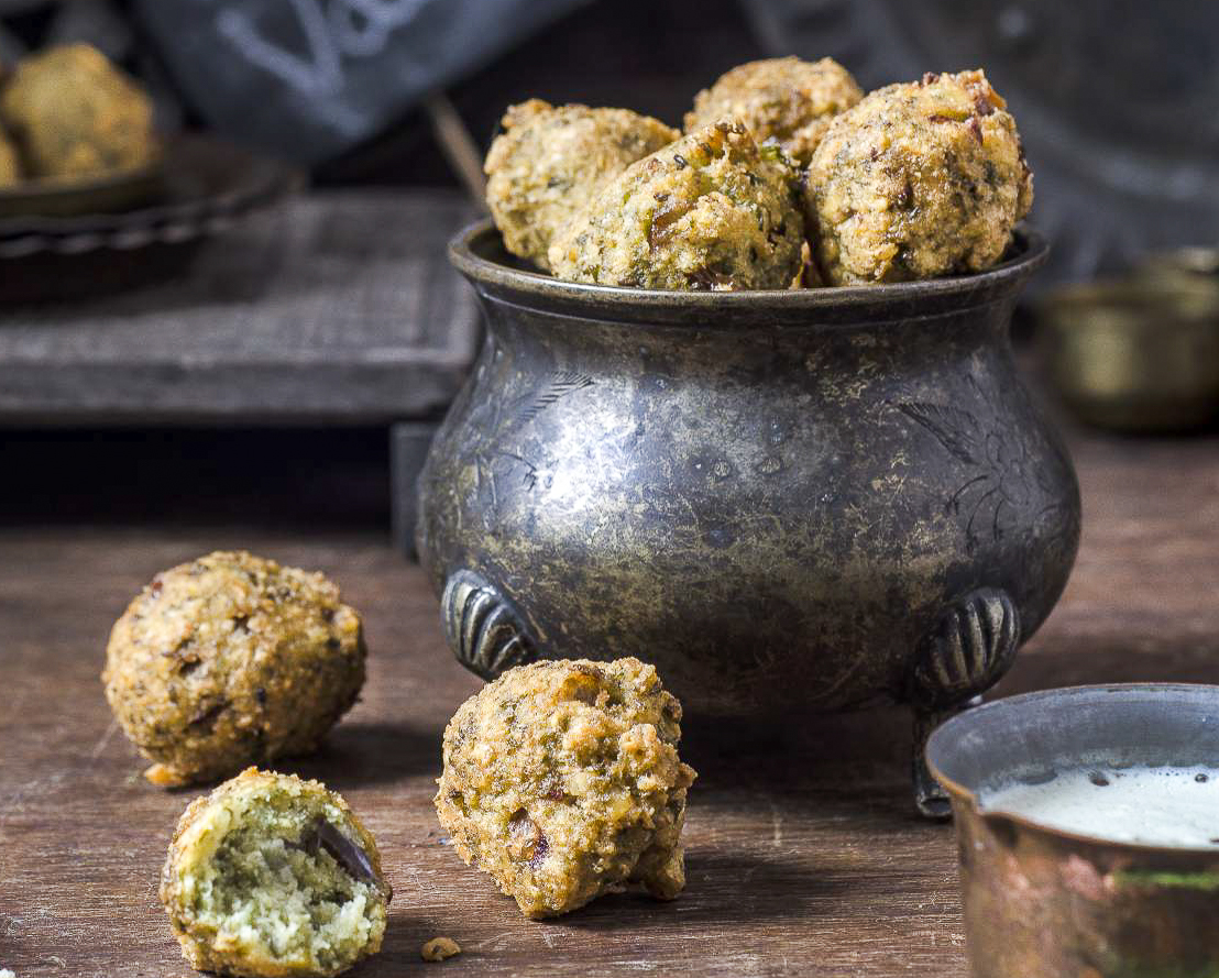 Whole Moong Dal Vada Recipe