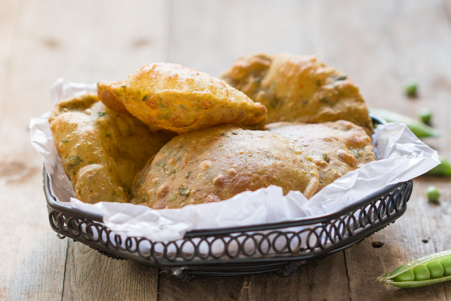 Matar Ki Puri (Crispy Puffed Indian Bread With Peas)