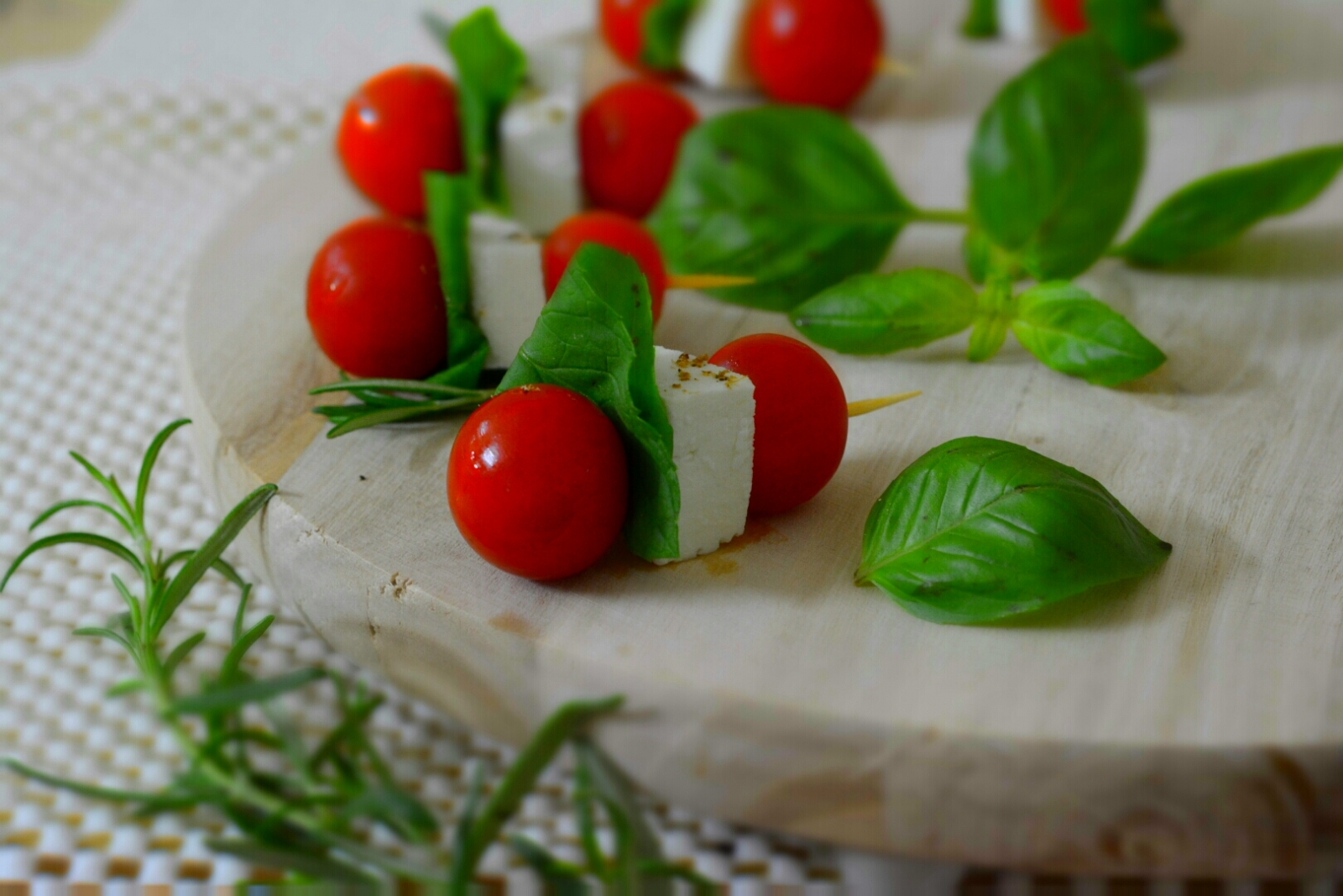 Tomato Mozzarella Bites Recipe