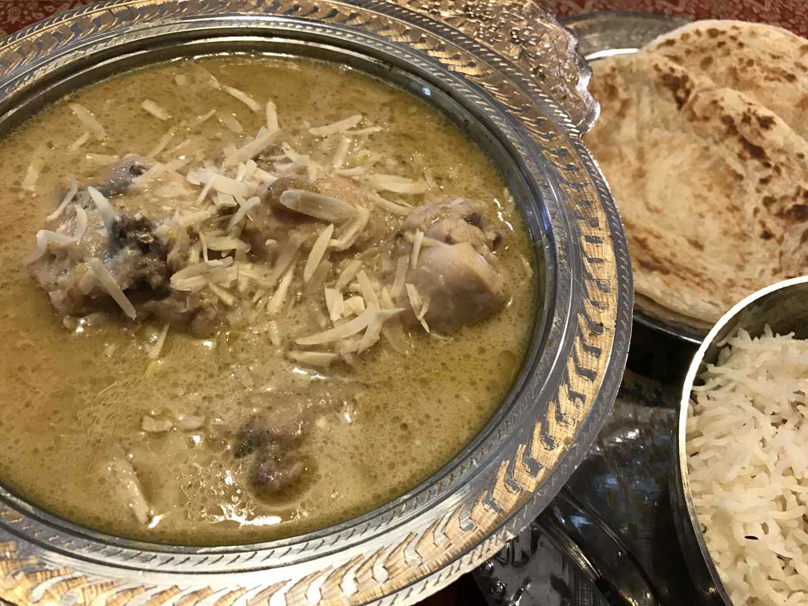 Safed Murgh Handi Recipe - Chicken In White Gravy