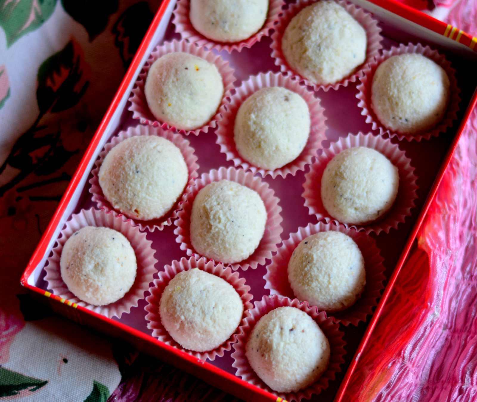 Kaacha Gola Recipe Bengali Sweet Cottage Cheese Balls By Archana S Kitchen