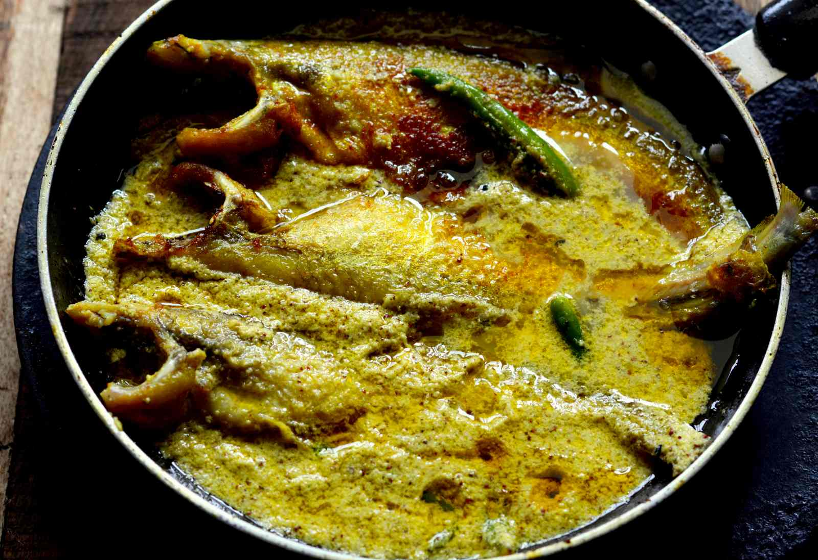 Posto Pabda (Bengali Fish Curry In Poppy Seeds Paste)