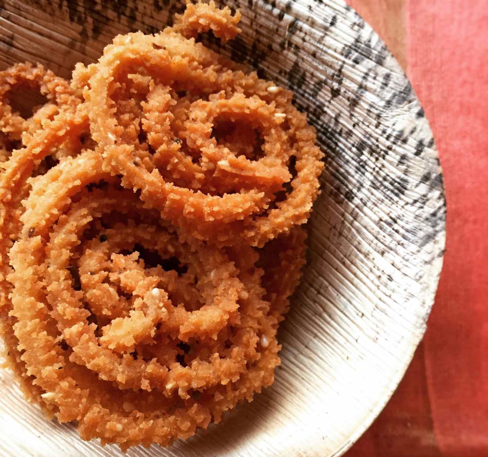 Pepper murukku recipe south indian style chakli by archanas kitchen pepper murukku recipe south indian style chakli forumfinder