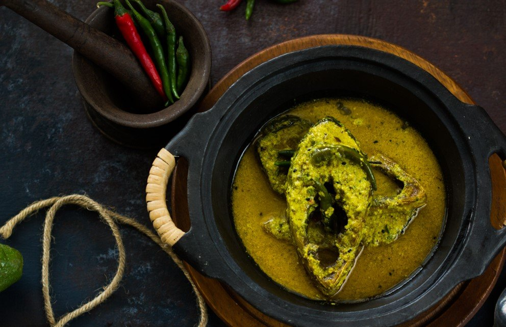 Doi Ilish Recipe - Bengali Style Hilsa In Yogurt Gravy Recipe