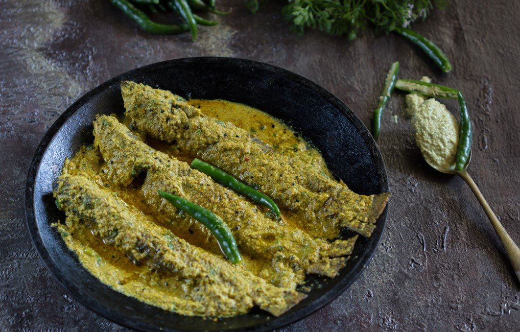 Parshe Macher Jhal Recipe - Mullet In Mustard Sauce