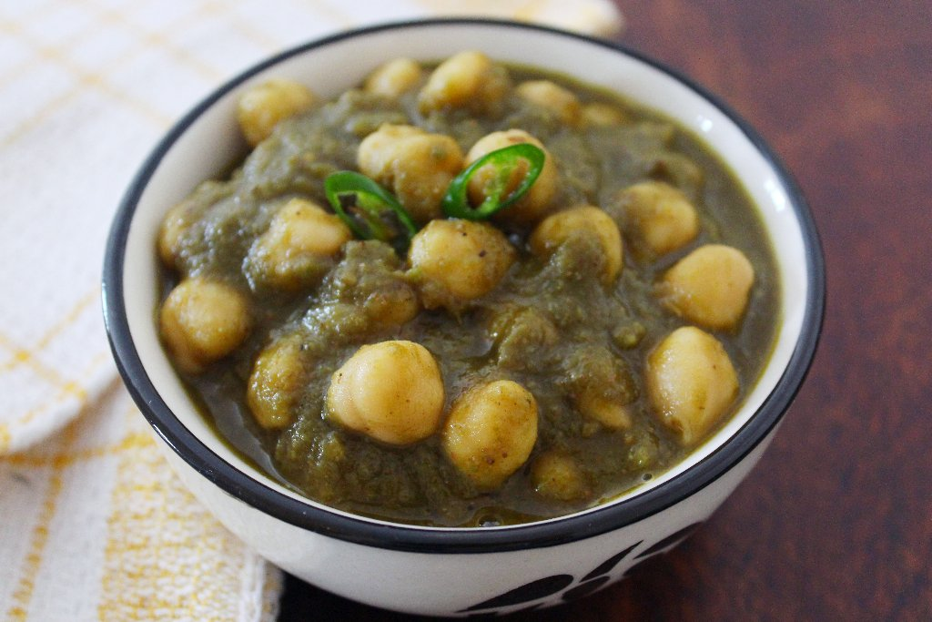 Chole Dhania Masala Recipe - Chickpeas In Fresh Coriander Gravy