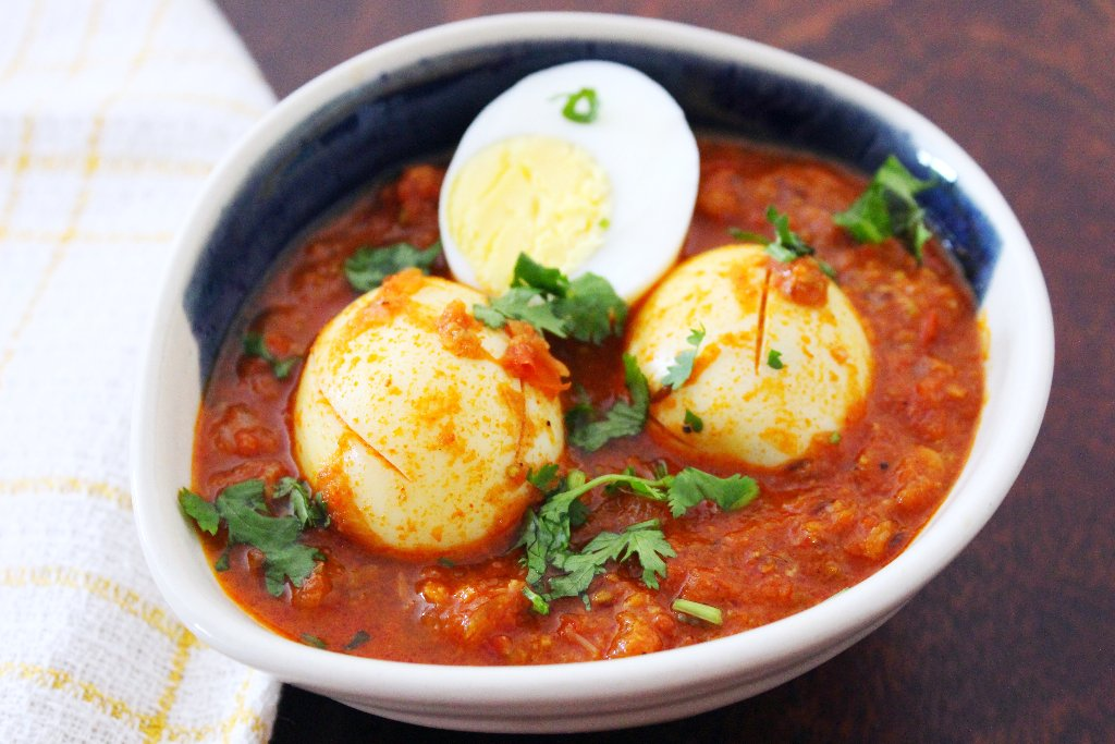 Saoji egg curry recipe by archanas kitchen saoji egg curry recipe forumfinder Images