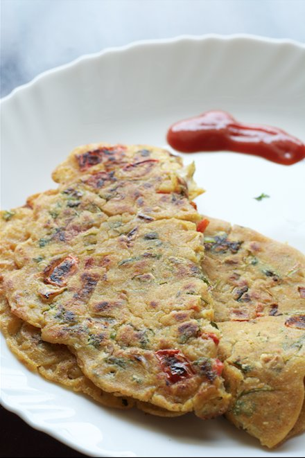 Jowar & Tomato Cheela Recipe - Sorghum Cheela With Tomatoes