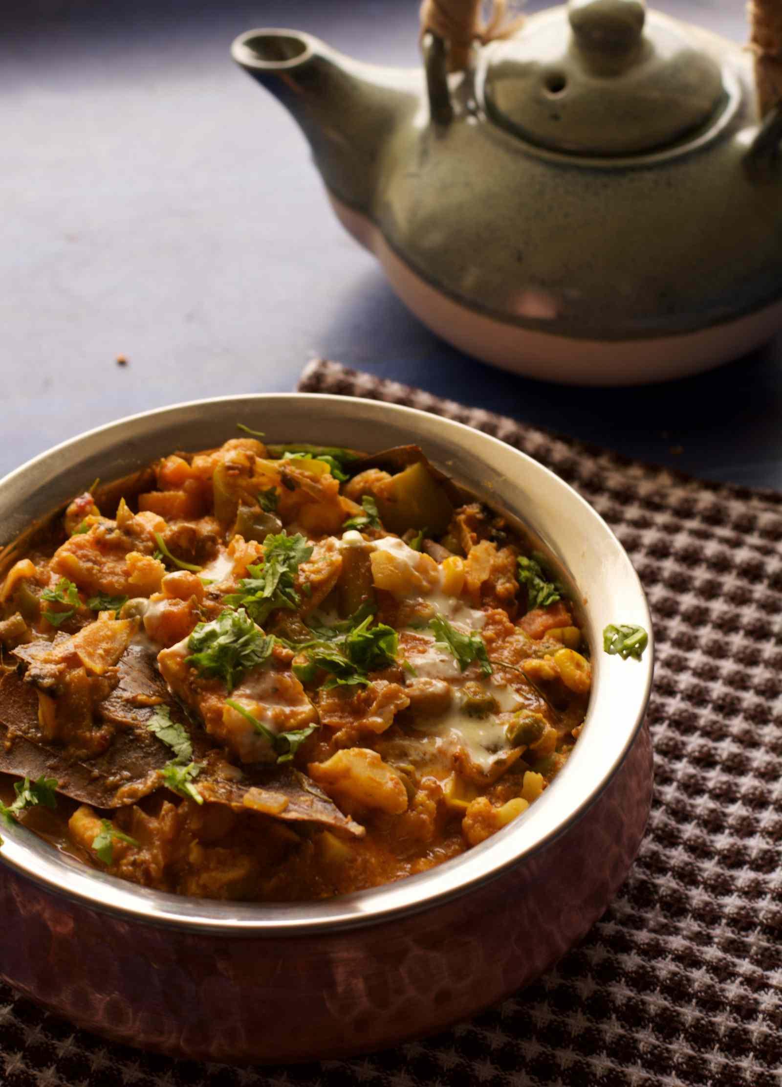 Mixed Vegetable Handi Recipe