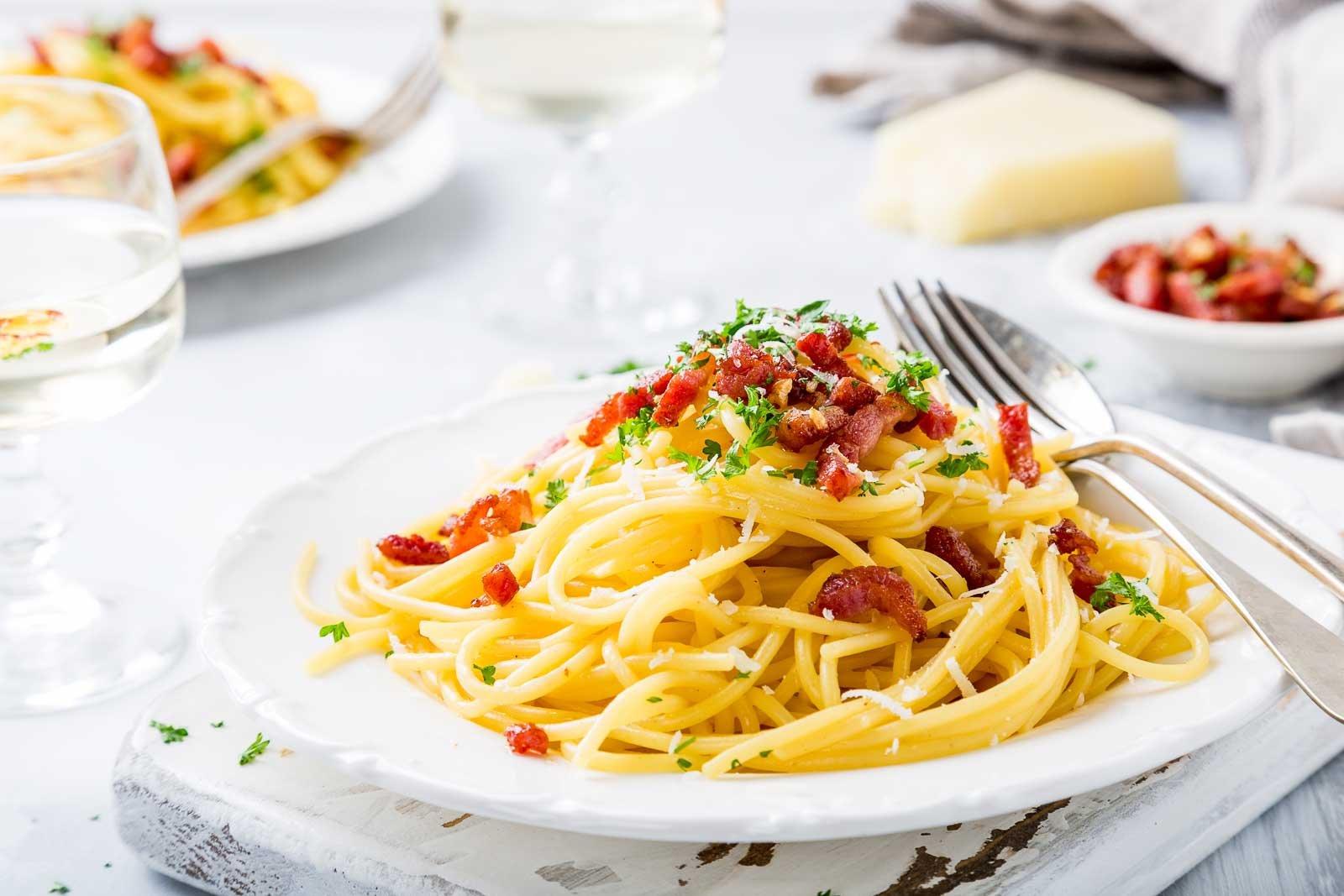 Spaghetti Aglio Olio Pasta Recipe With Bacon By Archana S Kitchen