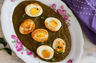 Kolhapuri Palak Egg Curry Recipe