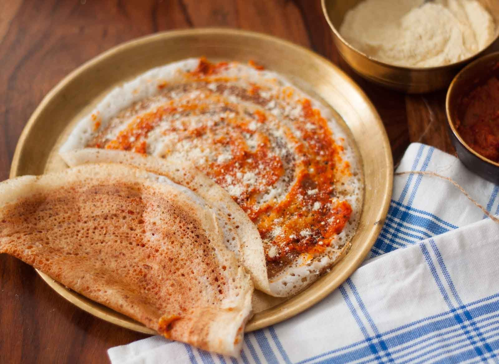 Andhra Style Erra Kaaram Dosa Recipe (Spicy Red Chilli Chutney Dosa Recipe)