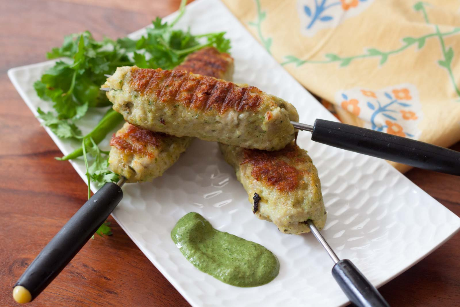 चिकन सीख कबाब रेसिपी – Chicken Seekh Kebab Recipe