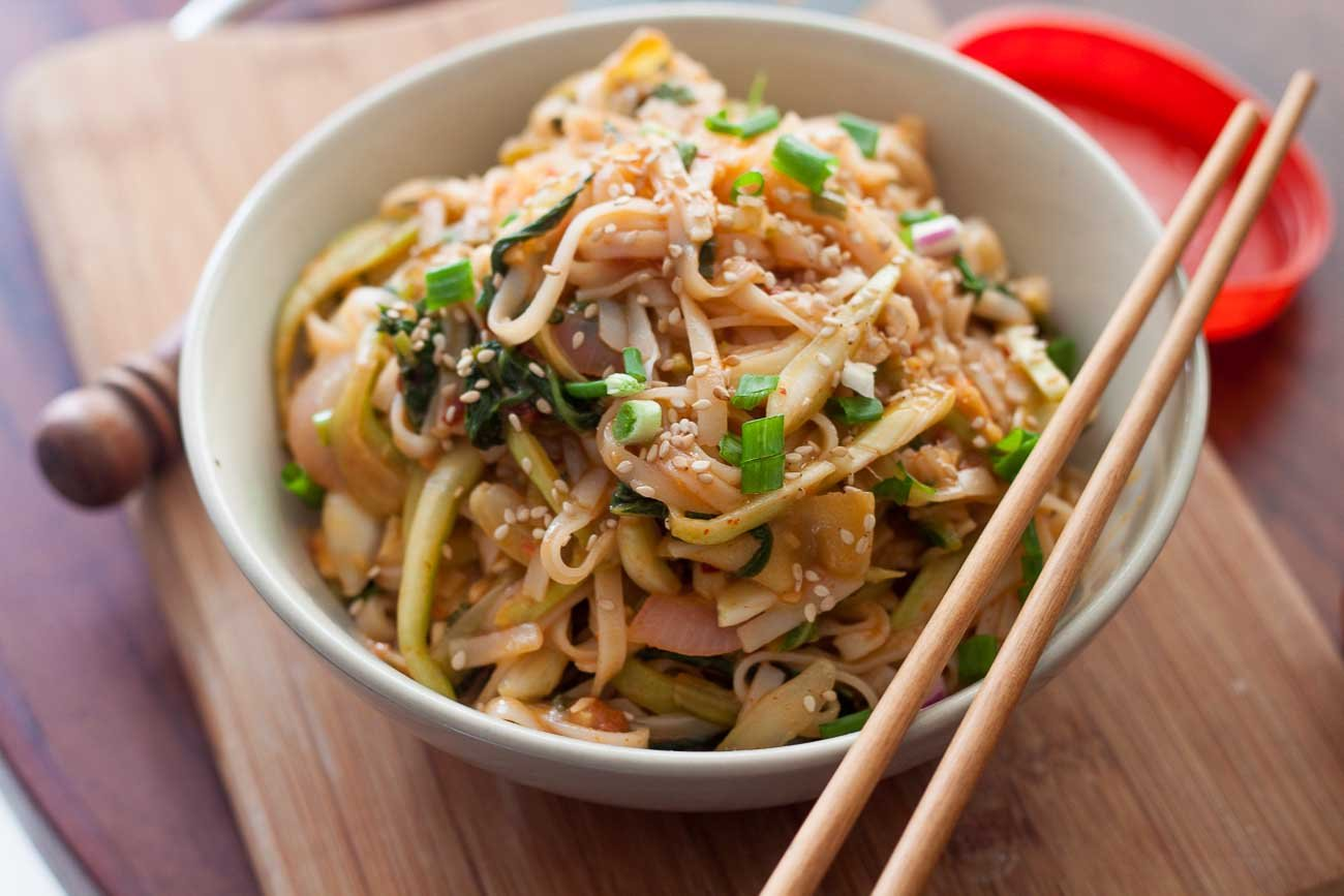 Korean Style Kim chi Udon Stir Fry with Scallions Recipe