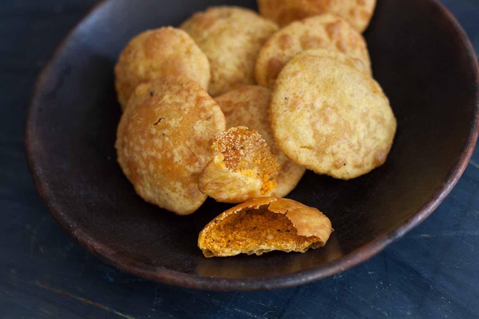 Mangalorean Style Biscuit Roti Recipe