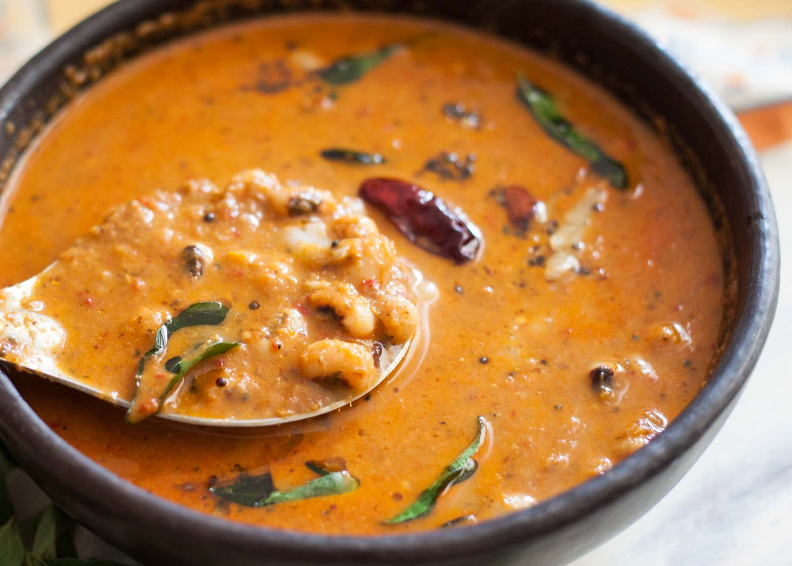 Mangalorean Style Lobia Gassi Recipe - Black Eyed Peas In Coconut Curry