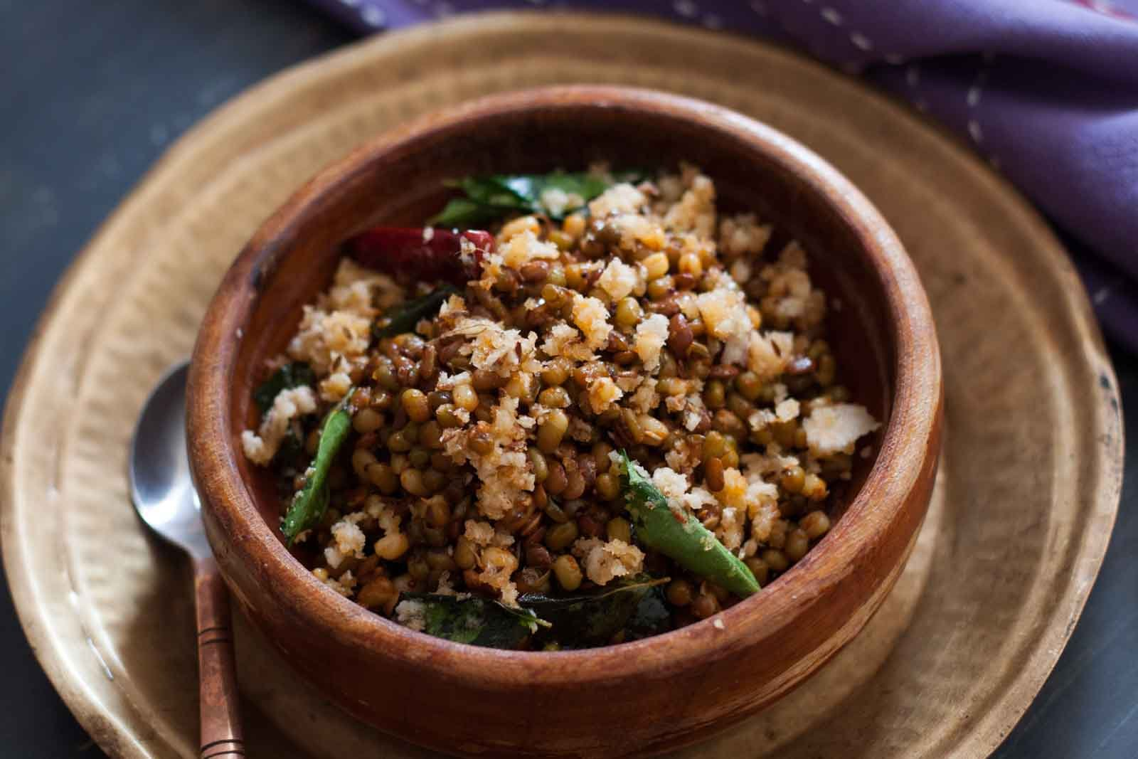 Matki Chi Usal Recipe - Spicy Moth Sprouted Salad