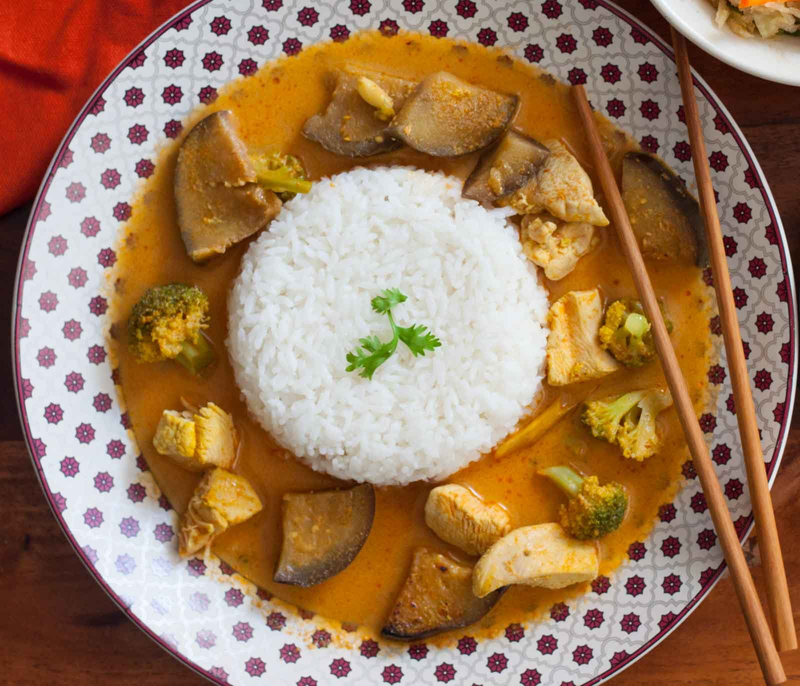 Thai Red Curry with Chicken and Brinjal Recipe