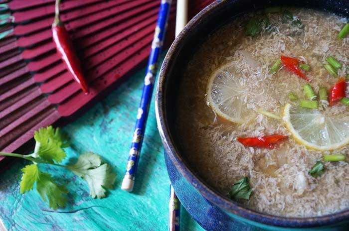 Chinese Egg Drop Soup Recipe (With Vegetarian Option)