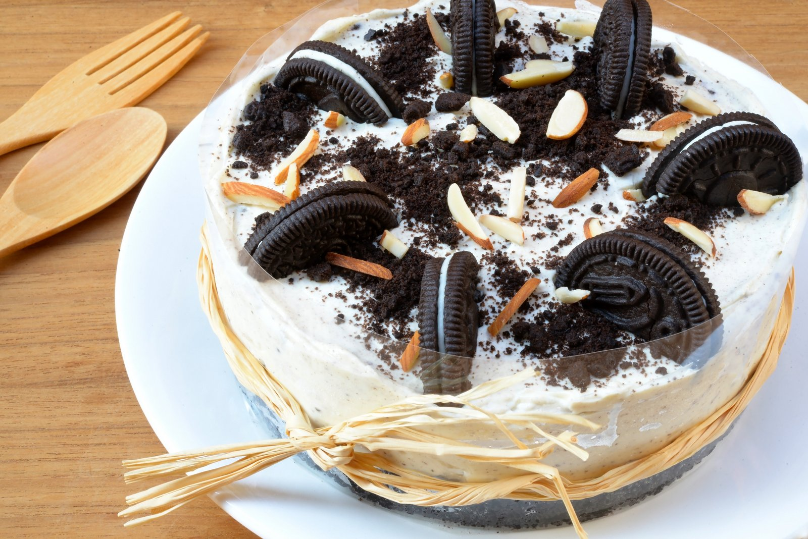 Eggless Oreo Cake Recipe With Buttercream Frosting by ...