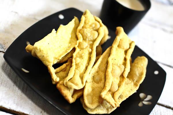 Gujarati fafda recipe crispy gram flour snack by archanas kitchen gujarati fafda recipe crispy gram flour snack forumfinder Choice Image