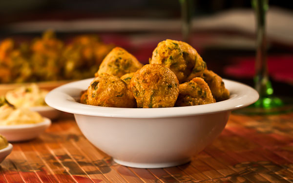 Kunukku Recipe - South Indian Spicy Lentil Fritters