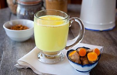Turmeric Milk Recipe - Haldi Doodh / Golden Milk