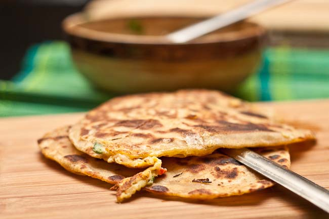 Muttai Parotta Recipe ( Ande Ka Paratha / Egg Filled Flat Bread)