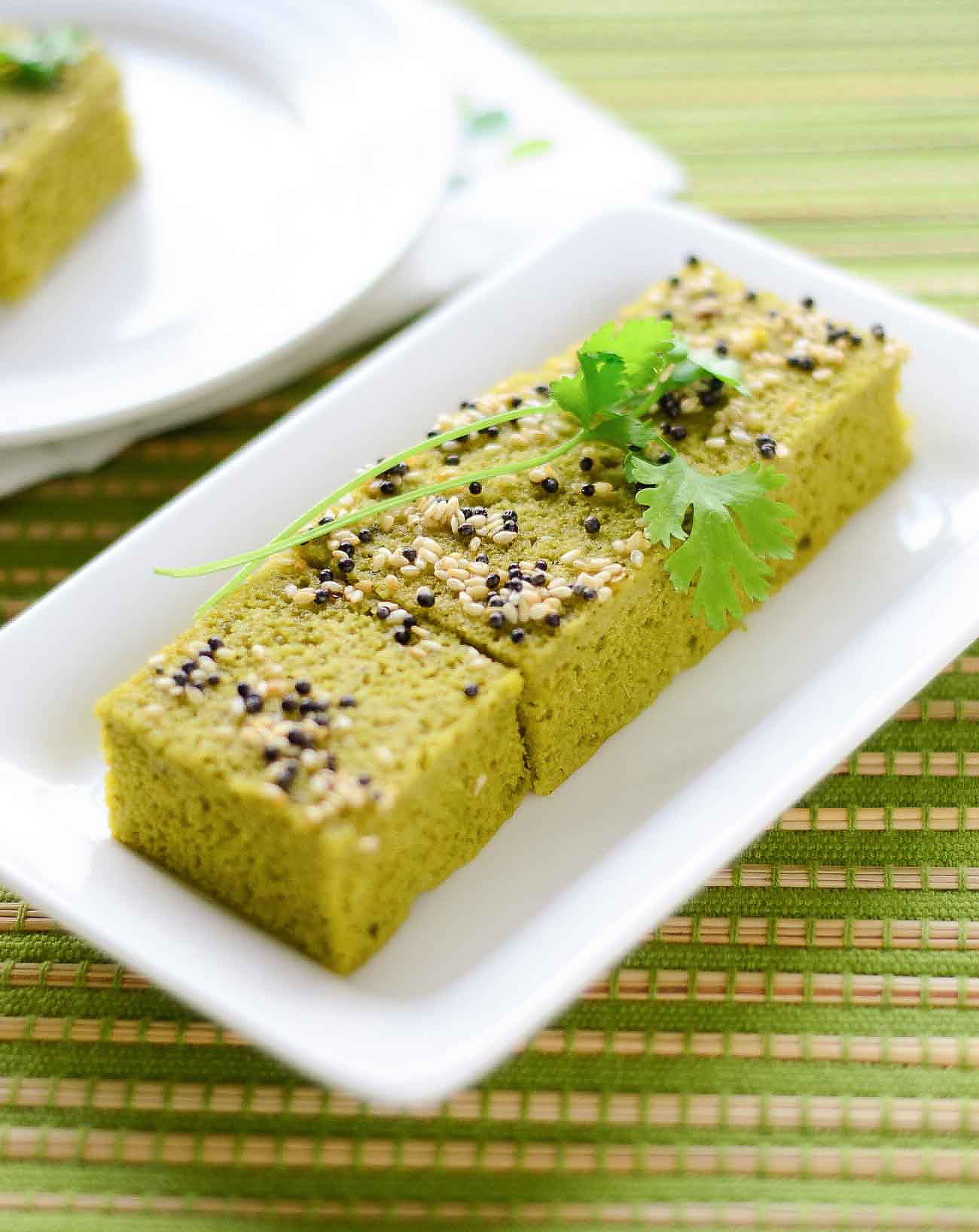 Gujarati Palak Dhokla Recipe - Steamed Spinach Lentil Cakes