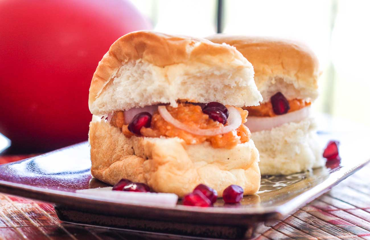 Dabeli Recipe - Pav Buns with Spicy Mashed Potatoes Pomegranates & Sev