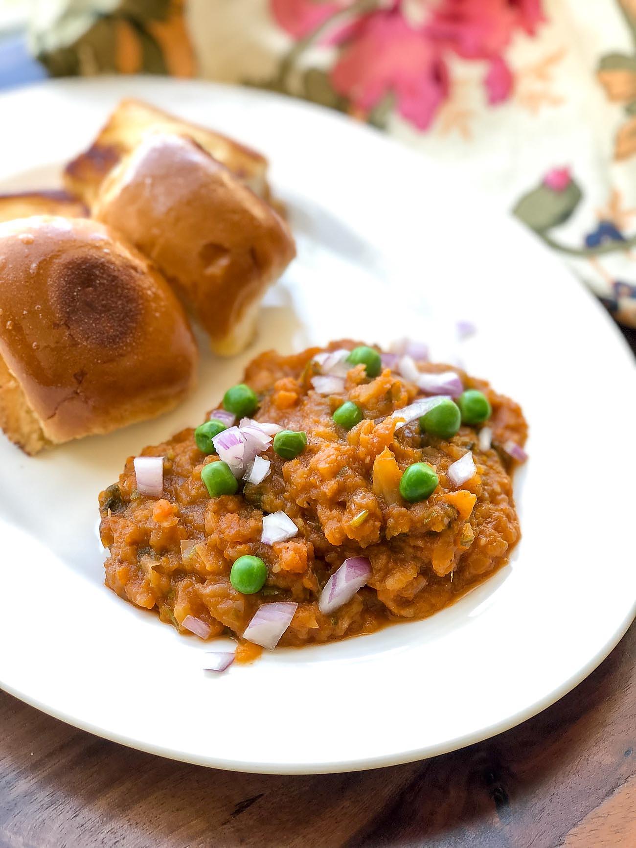 how to prepare pav bhaji in mumbai style