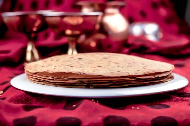 Methi khakra recipe gujarati savory crispy flat bread by archanas methi khakra recipe gujarati savory crispy flat bread forumfinder Images