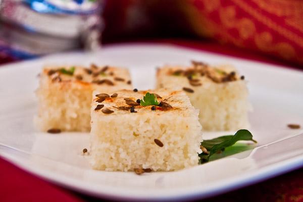 Gujarati khatta dhokla recipe by archanas kitchen gujarati khatta dhokla recipe forumfinder Image collections