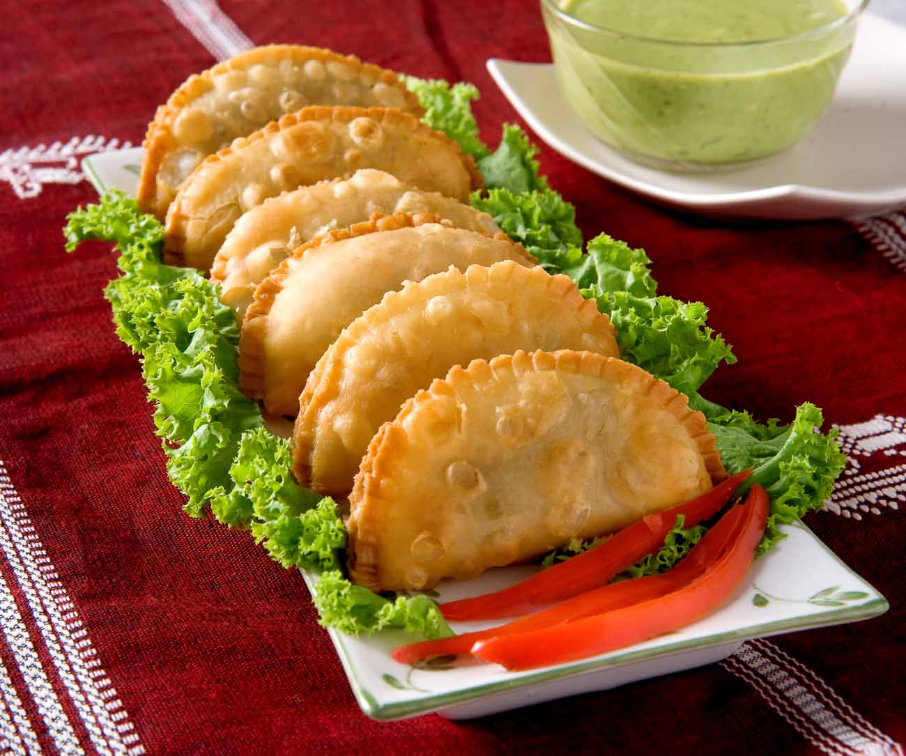 Samosas with Spinach & Cottage Cheese Filling (with Non Fried Option)