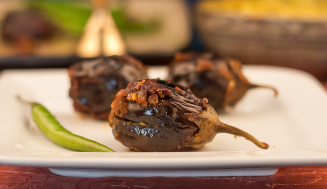 Bharva Baingan Recipe (Stuffed Roasted Eggplant)