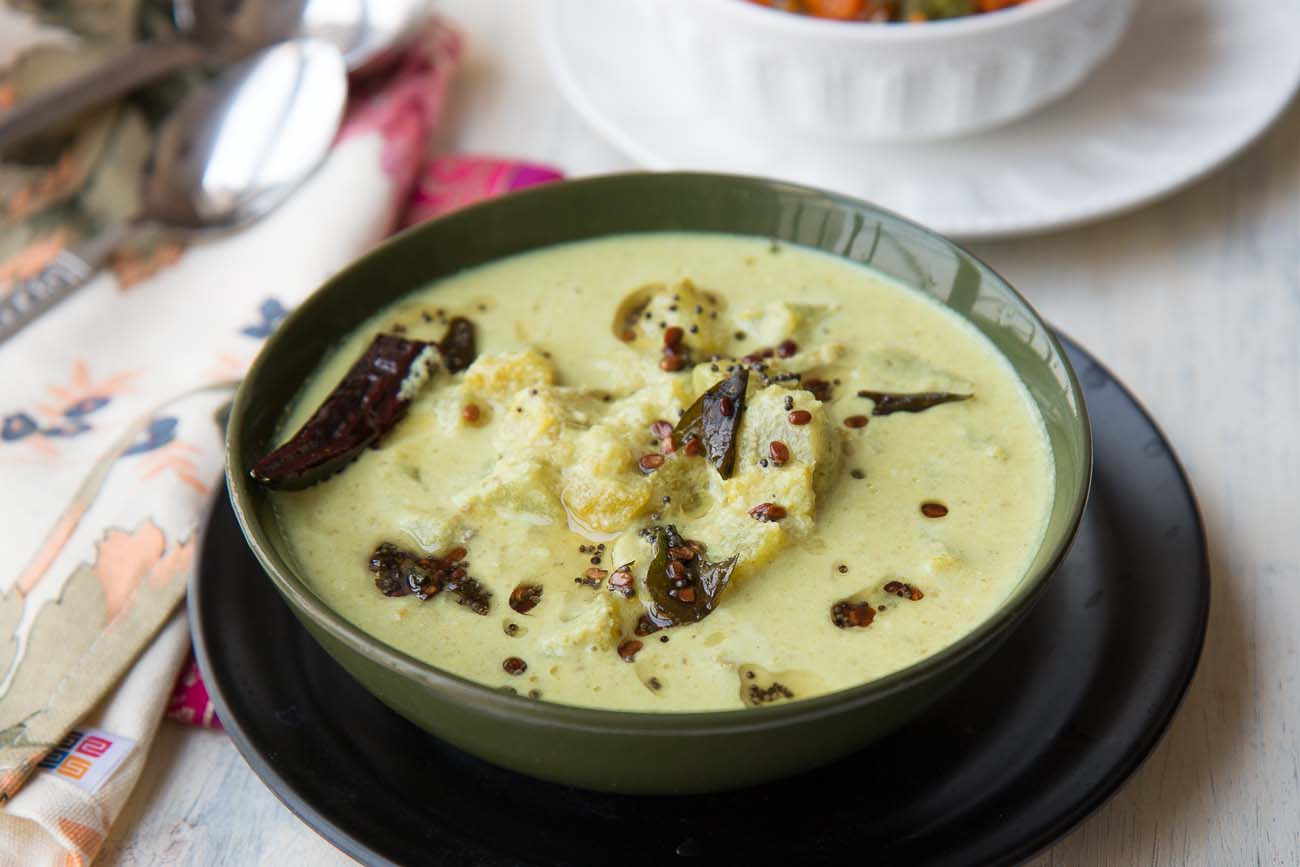 Kuruku Kaalan Recipe - Raw Bananas in Coconut Curry