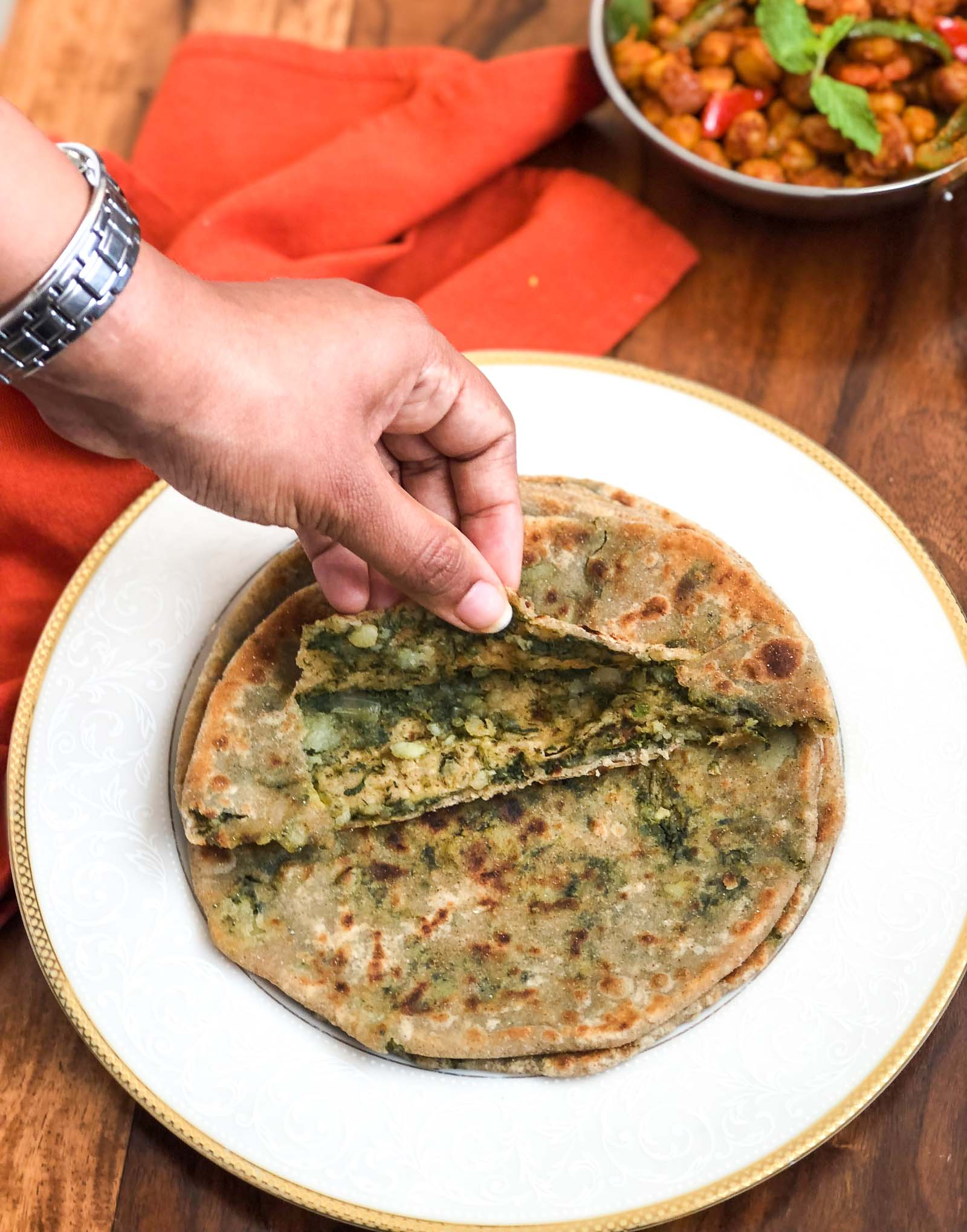 Bathua Aloo Paratha Recipe