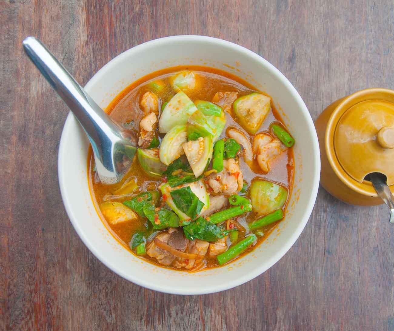 Thai pineapple vegetarian curry recipe by archanas kitchen forumfinder Choice Image