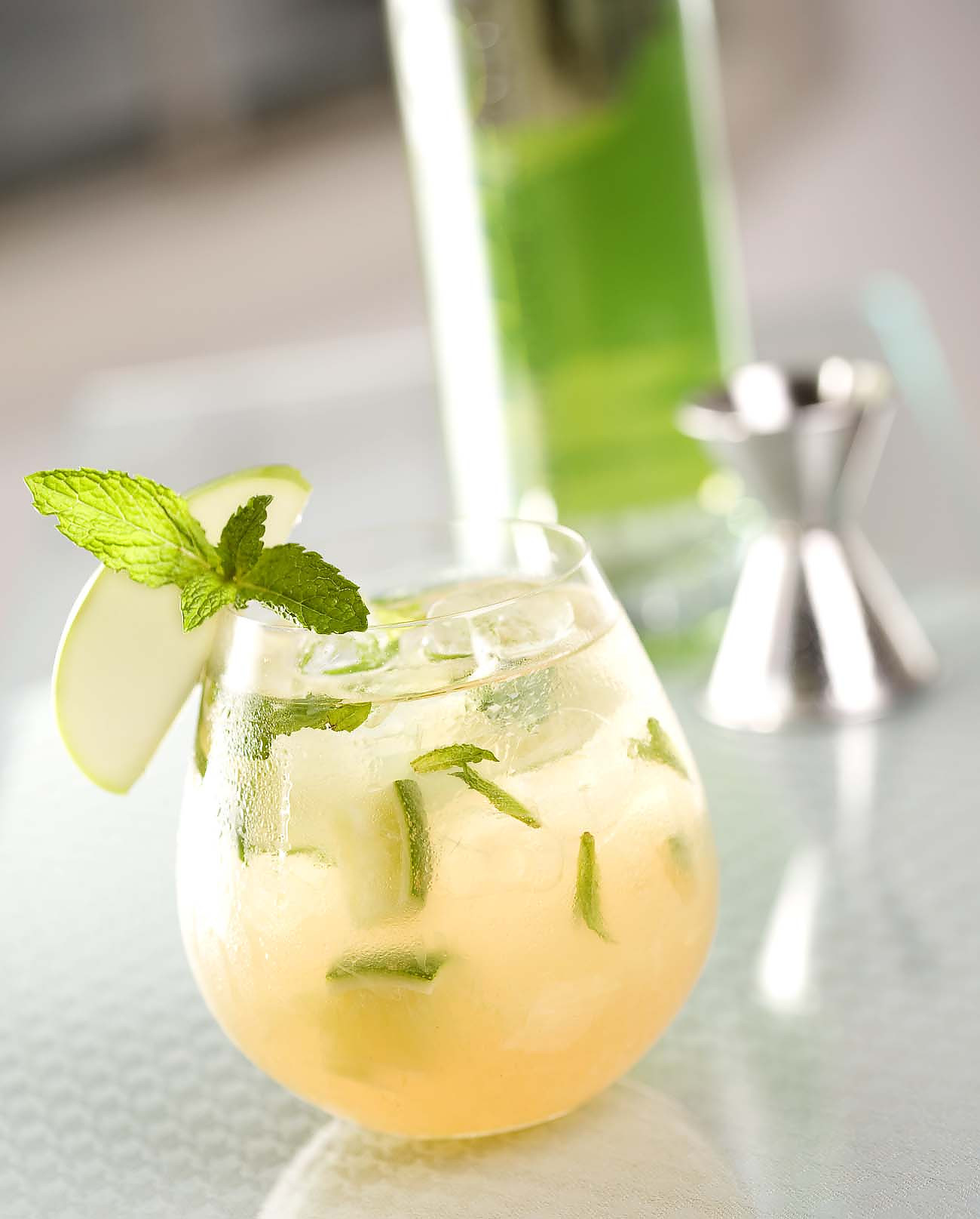 Apple And Ginger Cocktail Recipe