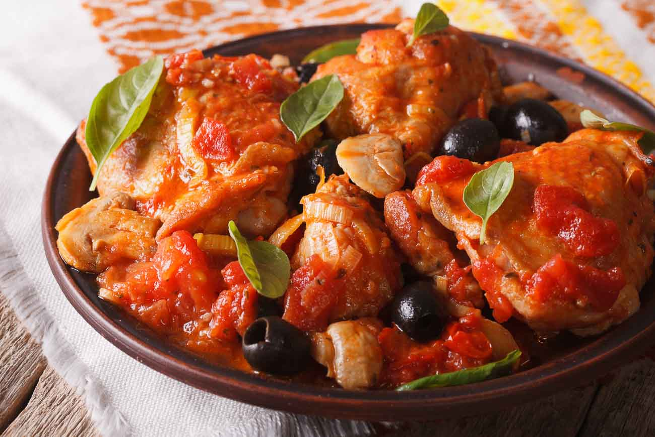 Delicious Italian Chicken Cacciatore Recipe with Mushrooms & Olives - (Poultry & Vegetable Hunter's Stew)