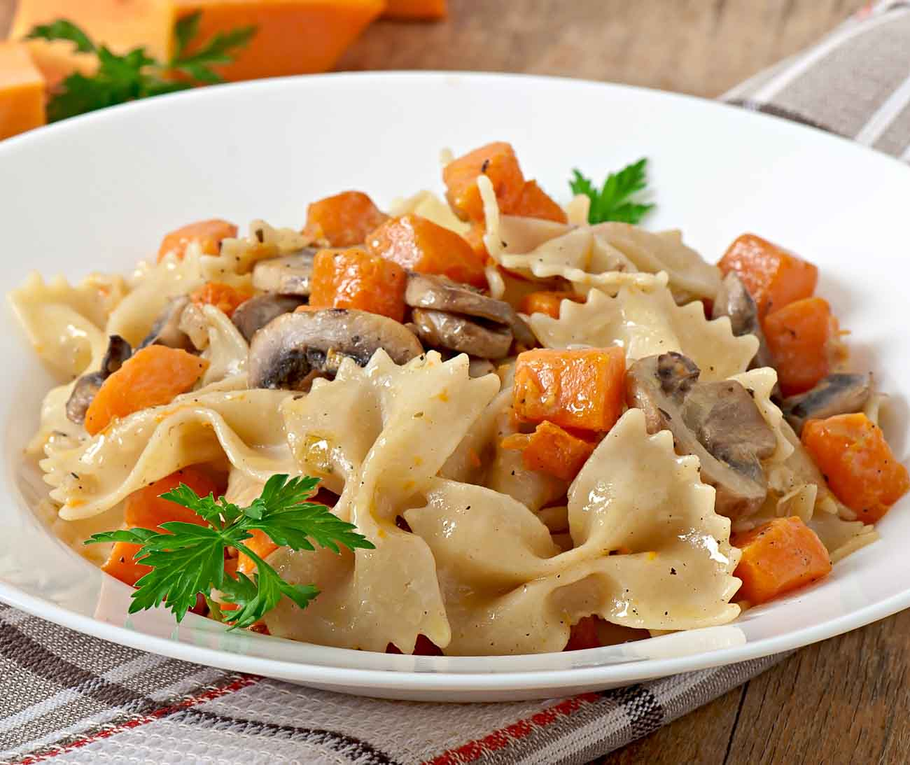 Roasted Carrots & Mushroom Pasta In White Sauce Recipe