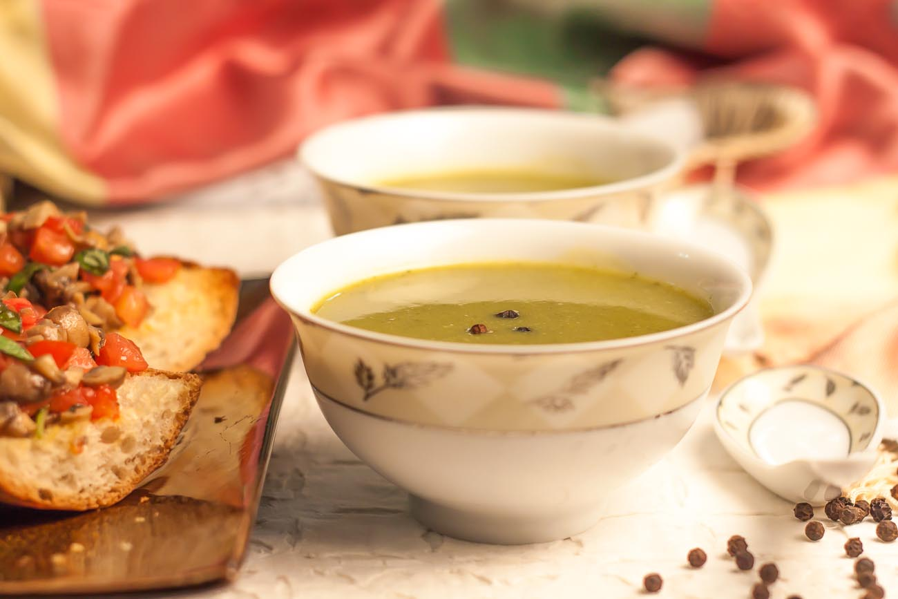 Light And Healthy Spinach Soup Recipe